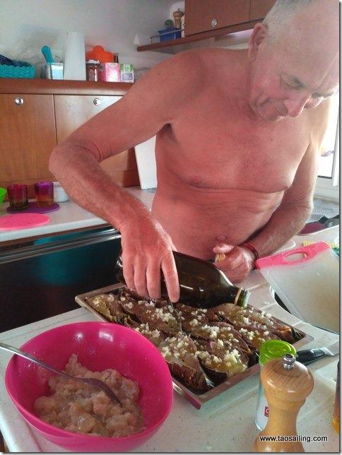 Préparation de deux plats de langoustes